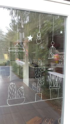 Make a window decoration with chalk marker successfully yourself with these tips & Fensterbilder Cama Design, Decoration Vitrine, Store Window Displays, Window Art, Chalkboard Art, Chalk Art, Diy Projects, Creative, Crafts
