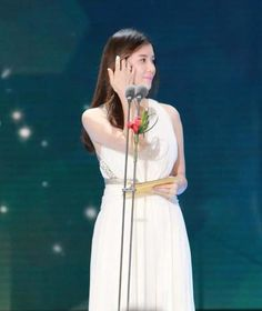 Lee Bo Young Radiant at the SBS Drama Awards and Quietly Continues Charitable Givings Lee Bo Young, Charitable Giving, Drama Korea, Lee Jong Suk, Ji Sung, Actors & Actresses, Awards, White Dress, Korean