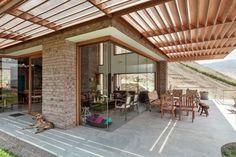 Galeria de Casa em Azpitia / Estudio Rafael Freyre - 2