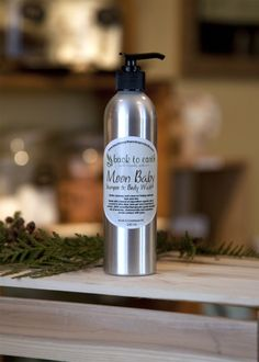 MOON BABY Shampoo and Body Wash Made with a blend of organic coconut and olive oil, liquid castile, hemp seed oil, whole wheat protein, extracts of rosemary, ginseng, calendula, nettle, aloe vera, burdock root & rose hip and .005% of therapeutic grade essential oils of lavender, chamomile and mandarin.