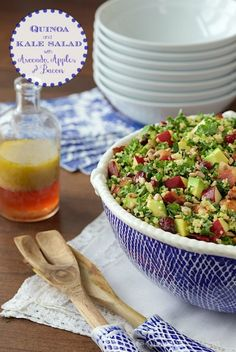Quinoa and Kale Salad with Avocado, Apples and Bacon - we can't get enough of this healthy, super delicious salad. Kale Quinoa Salad, Spinach Salad, Cooked Quinoa, Healthy Salads, Healthy Eating, Healthy Recipes, Healthy Tips, Yummy Recipes, Healthy Food
