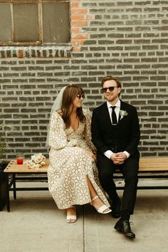 This intimate Minnesota wedding has all of the whimsical eclectic wedding celebration inspo you could dream of! Wedding Looks, Dream Wedding, Boho Wedding, Wedding Flowers, Art Deco Stil, Eclectic Wedding, Groom Looks, August Wedding, Courthouse Wedding