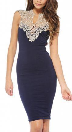 61b240676a Granatowa długa sukienka z ciekawym dekoltem i rozcięciem