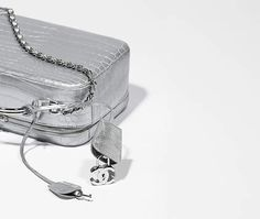 Sac vanity, alligator métallisé-argenté - CHANEL