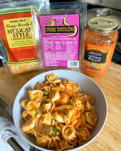 Trader Joes Food, Trader Joe's, Trader Joe Meals, Vegetarian Recipes, Cooking Recipes, Healthy Recipes, Healthy Food, Joe Recipe, Cheese Nutrition