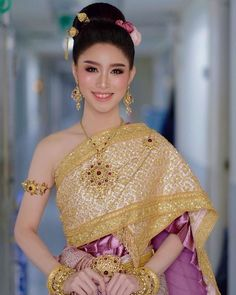 Thai Wedding Dress, Wedding Dresses, Thai Dress, Thai Model, Pretty Asian, Thai Style, Girls Dresses, Formal Dresses, Vogue Magazine