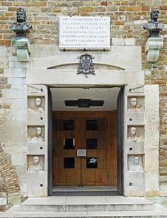 Trieste basilica San Giusto - main entrance - foto petrus.agricola