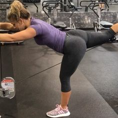 """3,888 Likes, 92 Comments - Tara Crosley ♡ Fitness (@tcrosleyfit) on Instagram: """"Yess you CAN get a full booty workout all in 1 place🙏🏽 I love the cable machine.. there are endless…"""""""
