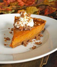 Bobby Flays Throwdown Pumpkin Pie with Cinnamon Crunch & Bourbon-Maple Whipped Cream... can you say OH YEAH??!!!