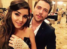 Ali ve Selin Selfies, Scene Couples, Hayat And Murat, Hande Ercel, Turkish Beauty, Film Aesthetic, Turkish Actors, Celebrity Couples, Beautiful Celebrities