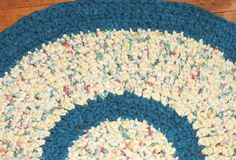 "Hand Made Crochet Rag Rug ~NEW 33"" Round Teal & Butter Chic Country * SHABBY !"