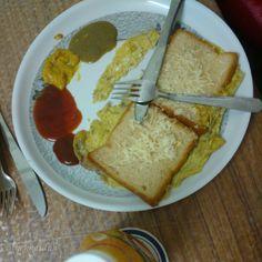 Bread Omelette Breakfast. Courtesy the Husband :D