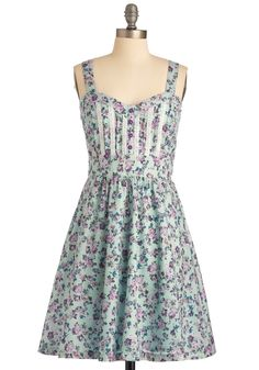sweet heart neckline, check!  corset bodice, check!  gorgeous mini floral print, check!