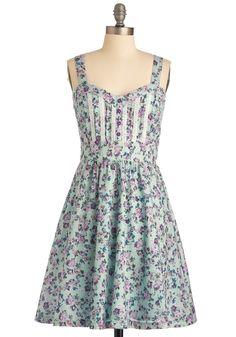 sweet heart neckline, check!  corset bodice, check!  gorgeous mini floral print, check!
