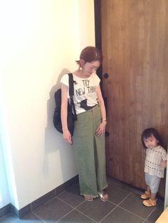 保育園のお迎え帰りにパチリ📸 楽やしこのパンツばかり😆 娘の服の組み合わせ、おかし過ぎる😙💨