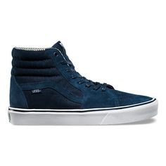 The Hemp Sk8-Hi Lite has been reengineered using innovative construction methods to improve comfort, increase flexibility, and reduce overall weight. Featuring hemp and pig suede uppers, an ActionFit last shape for more heel cushioning, and UltraCush™ Lite outsoles and sockliners, the Sk8-Hi Lite offers a new fit and feel while maintaining the classic aesthetic of the original Sk8-Hi.