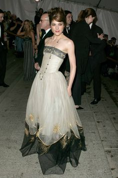 Selma Blair in Chanel (2005, Chanel Tribute)