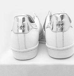 Der adidas 'Superstar' im Metallic-Look. Hier entdecken und shoppen: http://sturbock.me/gG8