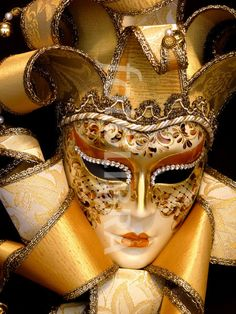Dama 11 Ricci lusso with Swarovski by Regalmoda.  Made in Italy - Venetian masks