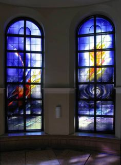 The Cenacle Retreat House, Ronkonkoma, NY, Artist: Claire M. Wing, Liturgical Glass, hand-blown by Bendheim Stained Glass