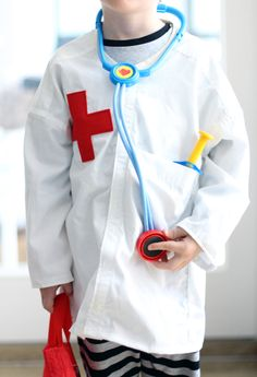 DIY Tutorial: how to up-cycle an old men's shirt in to a dressing up doctor's lab coat for kids (via http://exexp.at)