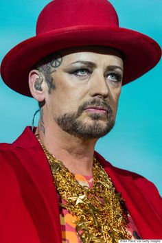 """this is THE Kooshamah Kaseebliah Kasah Kasoh Anee (The God who is NOT A GOD, he am the devil who is NOT A DEVIL, he is just evil, the most evil, the evil one at the highest level). He is the """"Shontee Kaplee"""" (Evil One) Boy George, George Hats, 80s Pop Music, Emma Watson Style, Paloma Faith, Culture Club, Talent Show, New Series, To My Future Husband"""