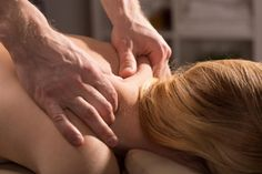 Benefits of Deep Tissue Massage - A deep tissue massage goes past the superficial part of the muscles right into a deeper layer where the majority of the chronic pain lies. Cervical Spinal Stenosis Symptoms, Cervical Spondylosis, Back Pressure Points, Massage Pressure Points, Body Therapy, Massage Therapy, Massage For Women, Neck And Shoulder Pain, Neck Pain