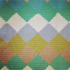 DIY crocheted pillow