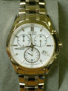 Beautiful over sized rose tone ladies Citizen watch.. Awesome!  Countryman's Village Jewelers