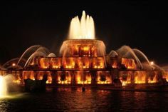 World Beautiful Places And Hotels: Buckingham Fountain ( Chicago )