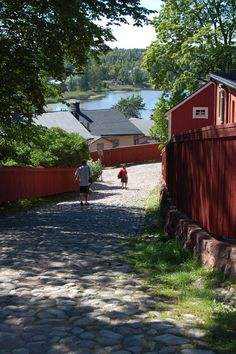 The Old Town of Porvoo is unique. The mosaic-like town plan with its maze of streets and irregulary shaped plots dates back to the Middle Ages. www.visitporvoo.fi