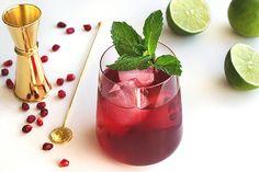 Aprenda a fazer um delicioso coquetel de romã: https://www.casadevalentina.com.br/blog/COQUETEL%20DE%20ROM%C3%83%20PARA%20O%20ALMO%C3%87O%20DE%20NATAL  ------------------------ Learn to make a delicious pomegranate cocktail: https://www.casadevalentina.com.br/blog/COQUETEL%20DE%20ROM%C3%83%20PARA%20O%20ALMO%C3%87O%20DE%20NATAL