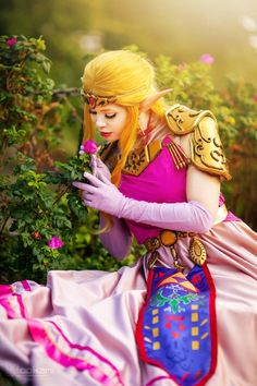 I am back with some new Zelda photos! I am so excited to be sharing more of her as this was my first gow. The Legend of Zelda Cosplay - Ocarina of Time. Cosplay Makeup, Cosplay Outfits, Cosplay Costumes, New Zelda, Legend Of Zelda Characters, Best Cosplay Ever, Princesa Zelda, Link Cosplay, Sailor Venus