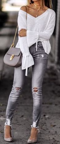 fall outfit ideas / bell sleeve + ripped denim