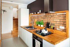 brick and wood in the kitchen Farmhouse Sink Kitchen, Kitchen Reno, Kitchen Dining, Interior Design Kitchen, Room Interior, Interior Decorating, Kitchen Worktop, Kitchen Cabinets, Kitchen Accessories
