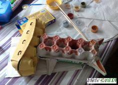 Zabawa plastyczna z dzieckiem. Robot z opakowań po jajkach i rolkach po papierze toaletowym.