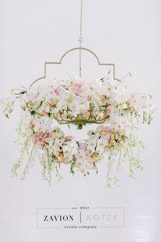 Wedding hanging arrangement. Orchids, roses, glamour wedding, luxury wedding, gold, white, green, best wedding ever. wedding day. flowers hanging arrangement, suspended flowers, royal wedding