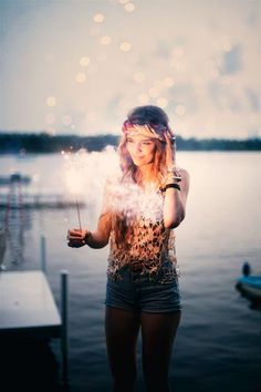 Photo with sparkler - such a cute idea
