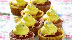 Unsere zuckersüßen Küken-Cupcakes zu Ostern sind lecker und ein optisches Highlight. Sorgen Sie aber besser noch für weitere Osterdekoration, denn diese kleinen Leckerbissen werden schneller weg sein, als Sie gucken können.