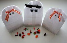 Halloween treat bag ideas | halloween-treat-bags1.jpg