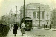 26 de setembro de 1924 - Viaduto do Chá. Vemos a Igreja Santo Antônio na praça do Patriarca. O prédio à direita, esquina do viaduto com a rua Líbero Badaró, era um dos três palacetes Prates e foi demolido. Hoje encontra-se no local a atual sede da Prefeitura.