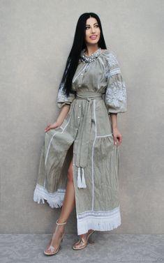"Luxurious dress in boho style 'White grass' hand embroidery.Kvitka - Luxurious dress in boho style ""White grass"" hand embroidery - buy or order in an online shop on Livemaster Short Beach Dresses, White Maxi Dresses, Casual Dresses, White Dress, Mode Abaya, Mode Hijab, Embroidery Fashion, Embroidery Dress, Hand Embroidery"