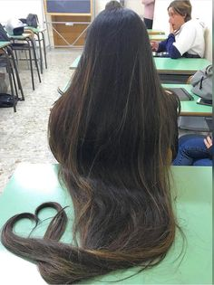 Rapunzel hair with a heart at the end Long Brown Hair, Dark Hair, Soft Hair, Thick Hair, Beautiful Long Hair, Gorgeous Hair, Permed Hairstyles, Straight Hairstyles, Rapunzel Hair