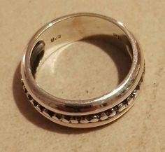 Vikinge ring 3. Fundet ved Hallenslev i 1924. Sølv  200 kr