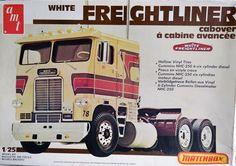 AMT Matchbox 1:25 Model Kit White Freightliner Cabover #PK-6118 Partially built #AMT