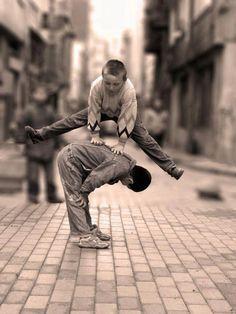 From the Ancients: Kinderspiele – Elternteil von Istanbul Village Photography, School Photography, Children Photography, Childhood Memories 90s, Childhood Games, Precious Children, Beautiful Children, Istanbul, Village Kids