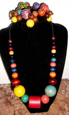 2 pc lot of Vintage to mod wooden bracelet and graduated beads chunky colorful