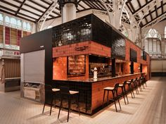 Central Bar by Ricard Camarena. Enjoy the culinary ritual of local products in a small oasis in the middle of the busy Mercado Central, Valencia. Retail Interior, Restaurant Interior Design, Cafe Interior, Kiosk Design, Cafe Design, Retail Design, Store Design, Cafe Bar, Cafe Restaurant