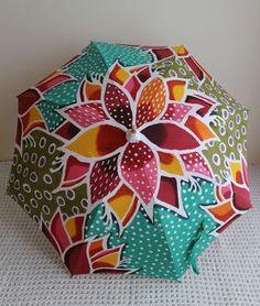 紅型 日傘「デイゴ」 沖縄らしい鮮やかな色合いです♪