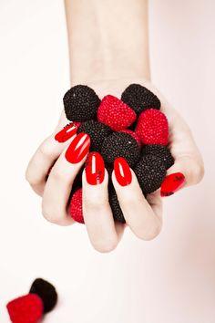 Manicura roja #manicura #belleza #cazcarra